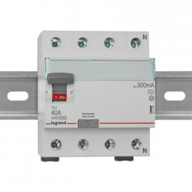 Leitungsschutzschalter, 4 polig, 40A / 0,3 Baureihe LEXIC TX³ Legrand